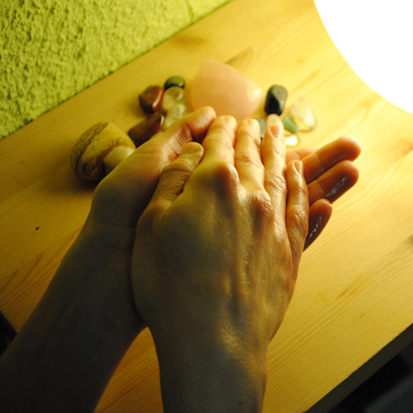 http://www.physio-scherdel.de/wp-content/uploads/2015/11/massage.jpg