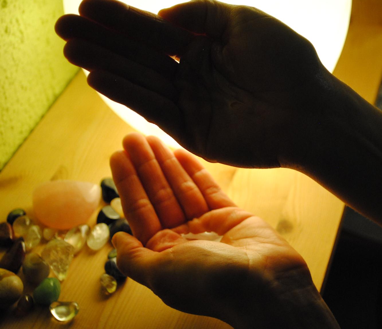 http://www.physio-scherdel.de/wp-content/uploads/2017/03/massage02.jpg
